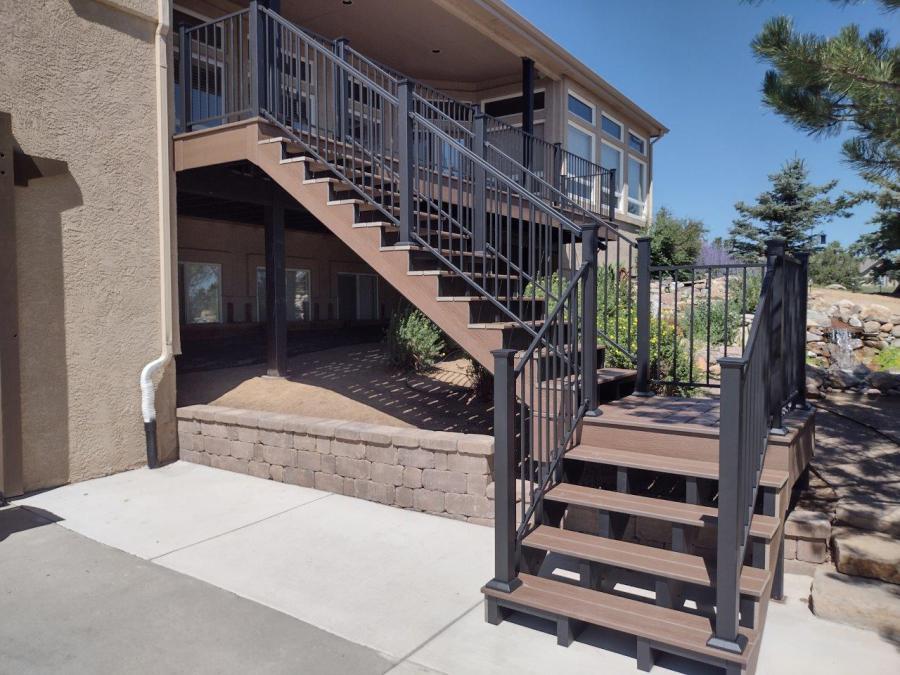Fortress Evolutions Steel Framing, FE26 Railing, Trex Transcend Decking, Steel Frame Stairs