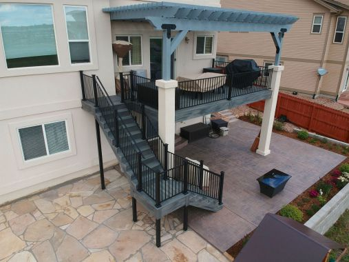 StoneCroft Construction, Colorado Springs Composite Deck Builder, StoneCroft Steel Frame Stairs, Fortress Evolution Steel Framing, FE26 Railing, Trex Transcend Island Mist Decking, Cedar Pergola